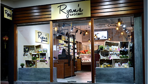 Ryan's Grocery Store Front